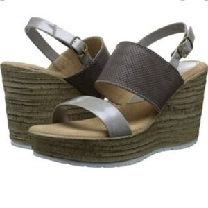Sbicca Perforated Faux Tree Bark Wedge Heels 7.5